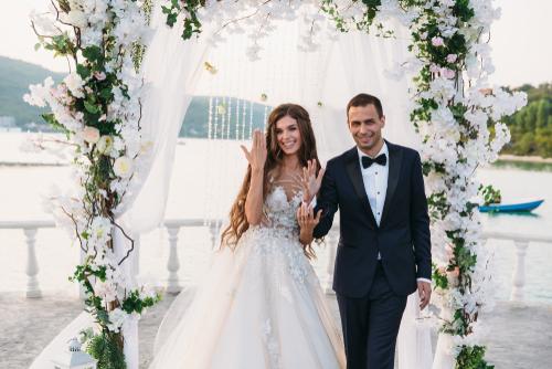 wedding day, Bridal Party Transportation, charter bus Texas