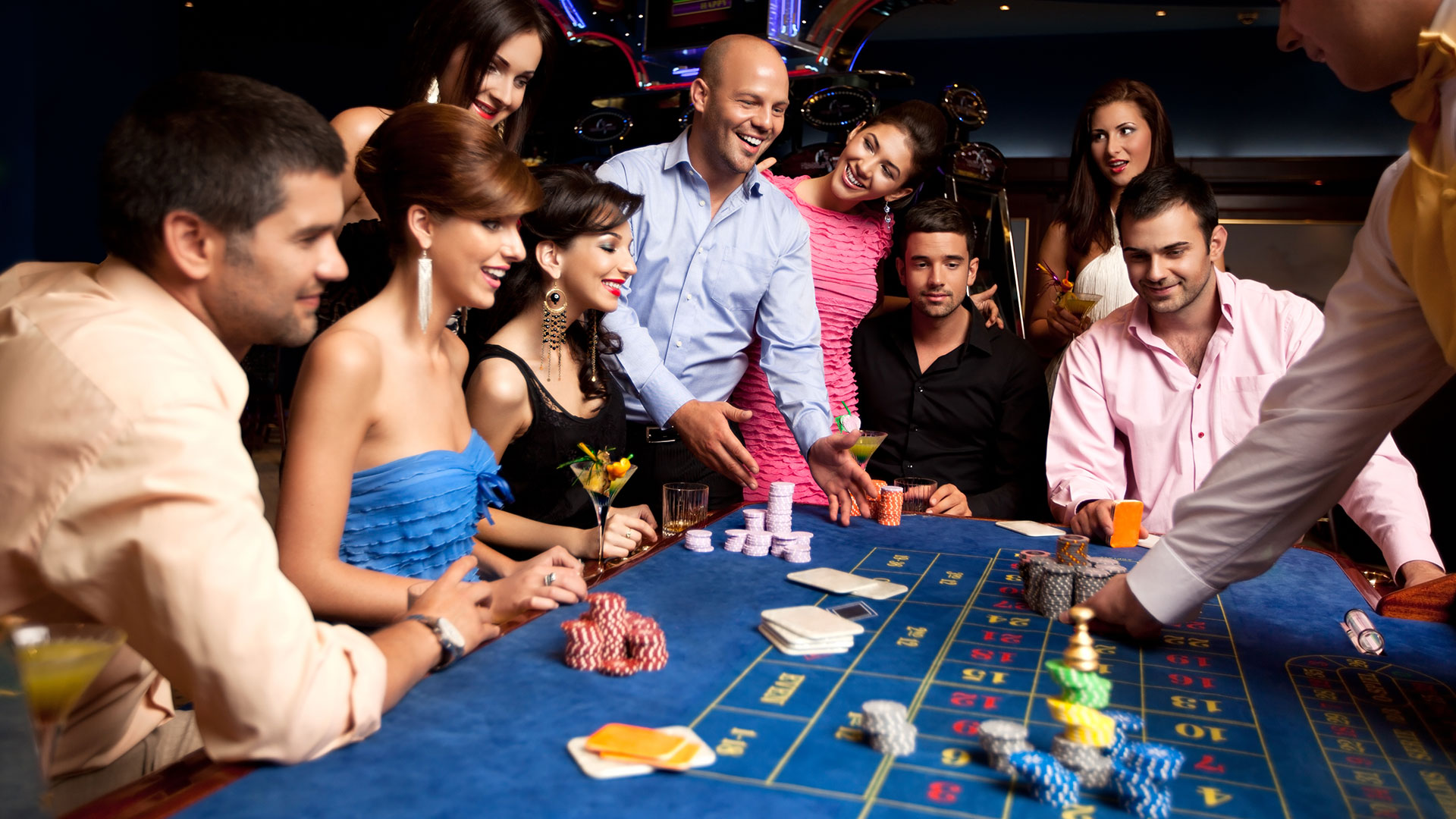 WIN BIG WITH OUR DAILY CASINO TRIPS  Copy