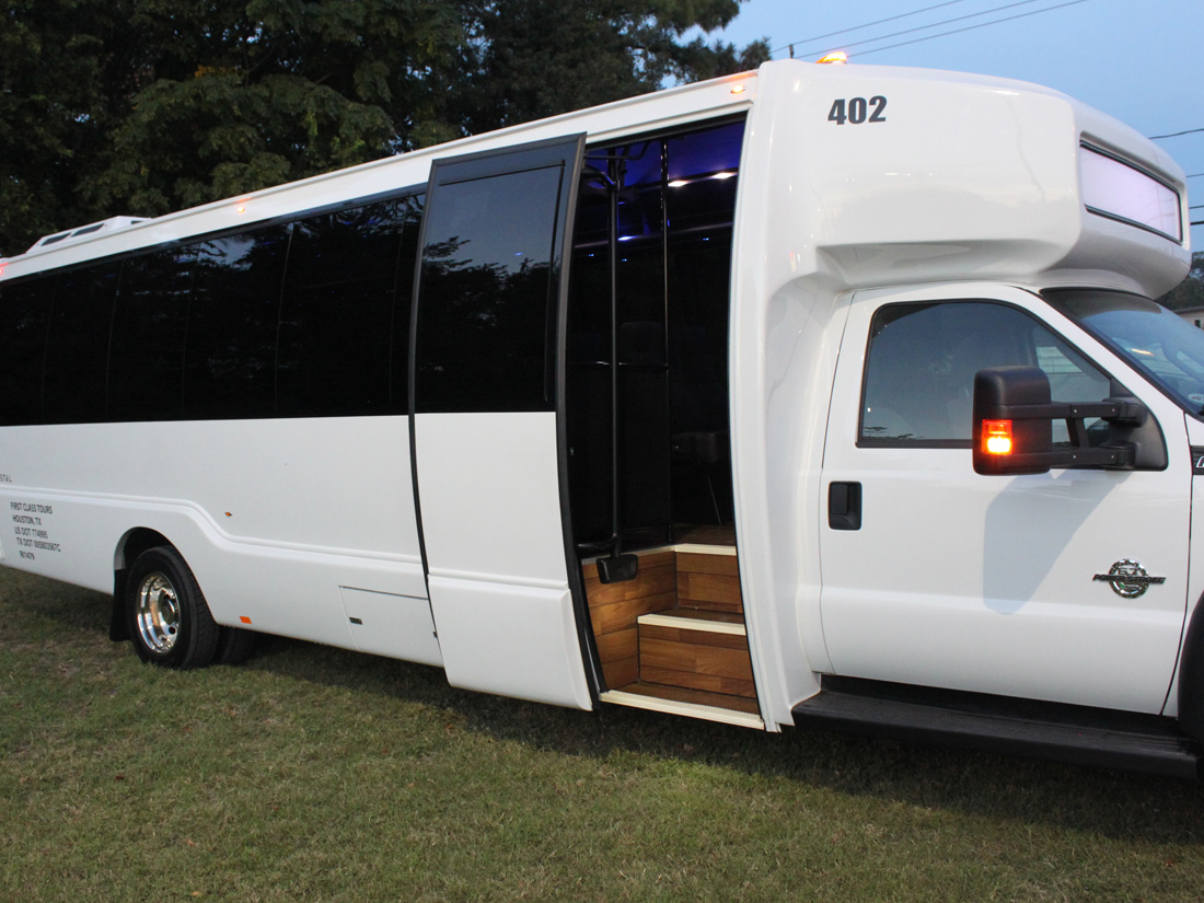 For Churches 15 Passenger Vans Are Out First Class Tours